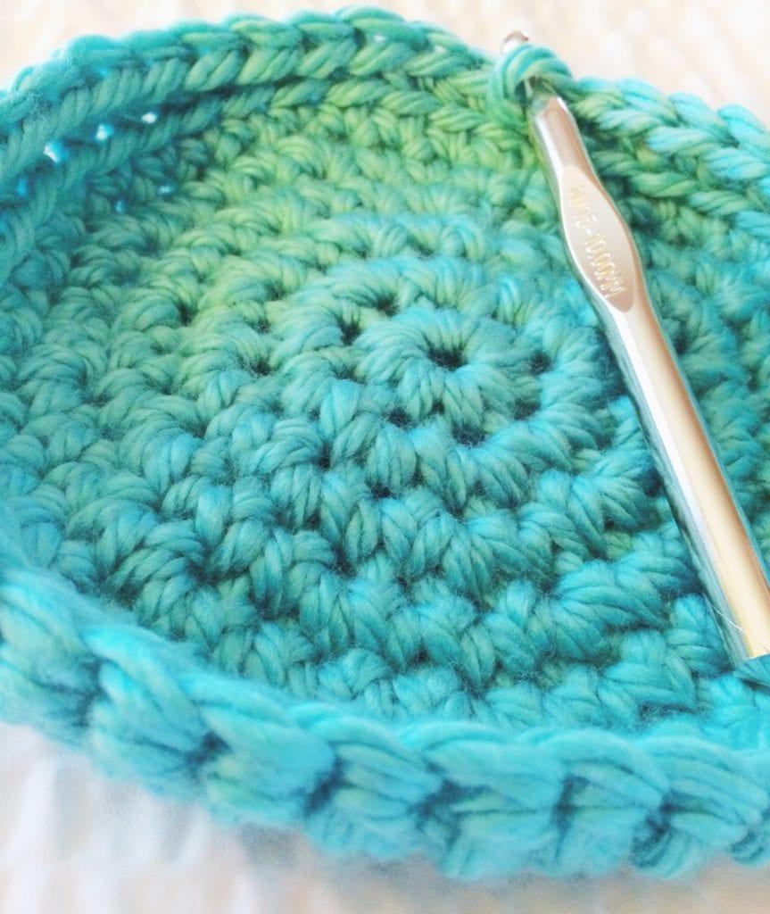 bottom of crochet basket