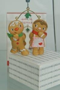 2017 hallmark cookie couple gingerbread ornament