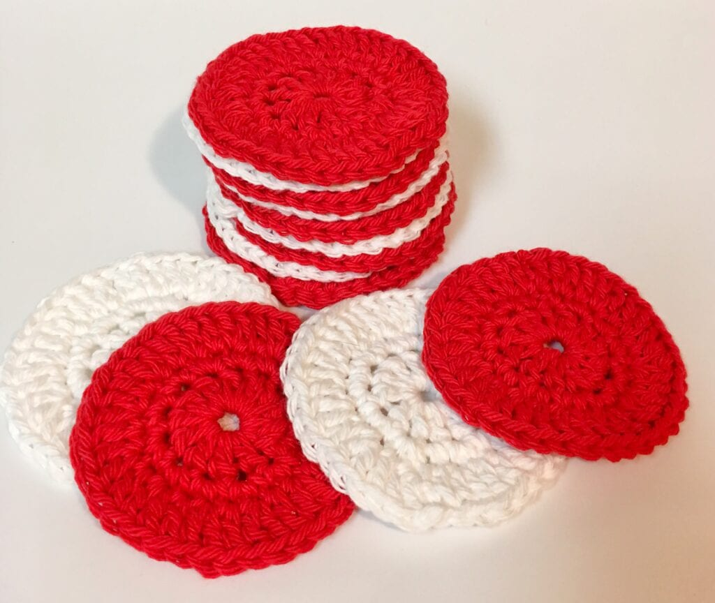 Red and White Easy Face Scrubbie