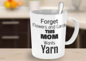 this mom wants yarn mug