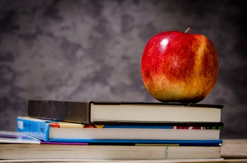 Books-and-Apple-for-the-Teacher