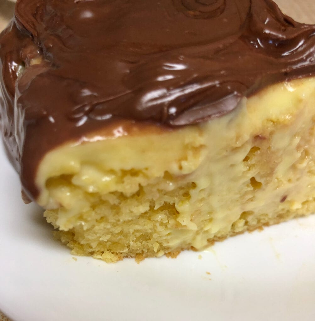 Moist Puddling Cake with Chocolate Topping