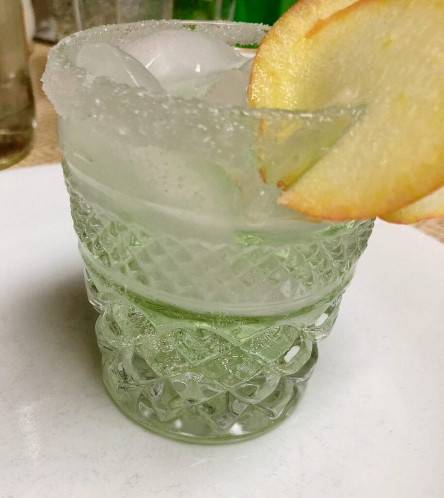 Simple Apple Party Beverage